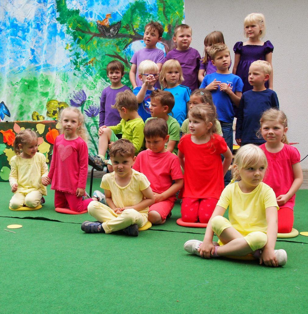 Farben kennenlernen im kindergarten